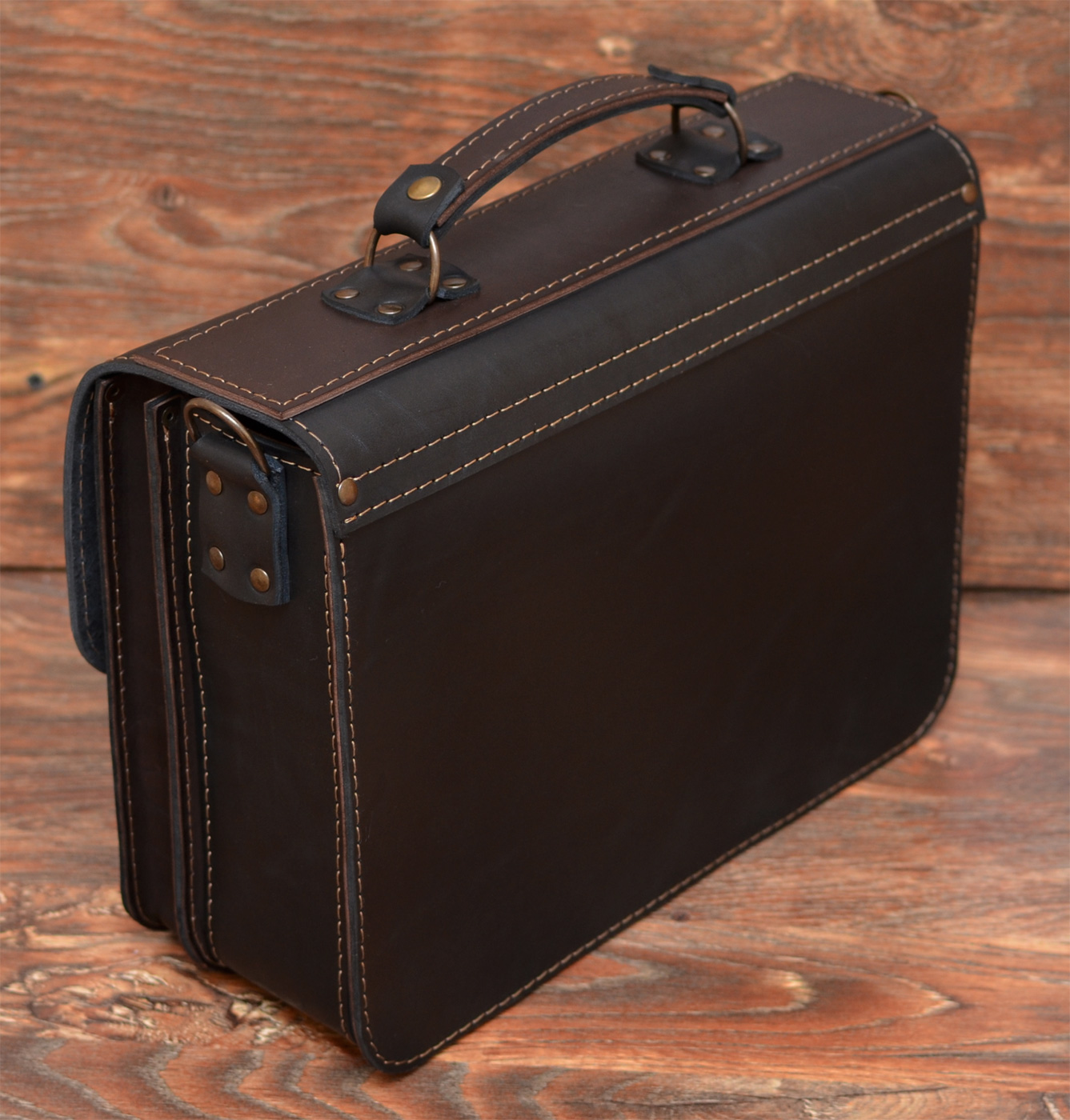 Большой черный портфель