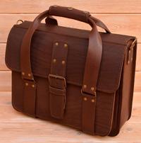 коричневая кожаная сумка