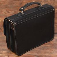 вместительный мужской портфель