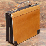 мужской кожаный портфель песочно-коричневого цвета