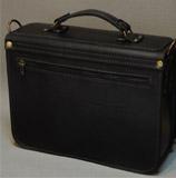 Вместительный портфель ручной работы
