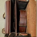 портфель вертикальной компоновки из кожи