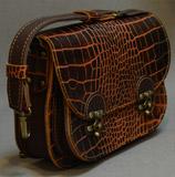 Небольшая кожаная женская сумка
