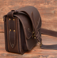 Коричневая женская сумочка