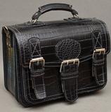 Брутальный вместительный мужской портфель