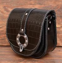 Черная женская сумочка под рептилию