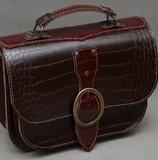 Женская шоколадно-бордовая сумочка