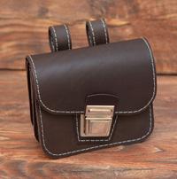 Коричневая сумочка-болтанка