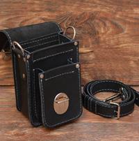Небольшая черная кожаная сумочка