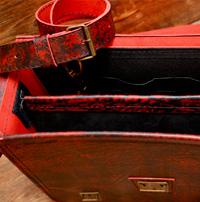 Оригинальный портфель из состаренной красной кожи