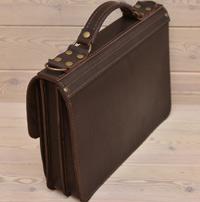Классический коричневый кожаный портфель