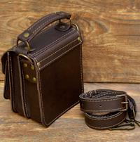 Компактная коричневая мужская барсетка