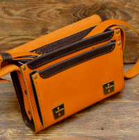 Апельсиново-коричневая женская сумочка