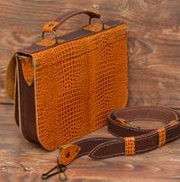 Двухцветная женская сумка из кожи под рептилию