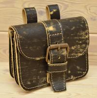 Поясная сумка-болтанка из тертой кожи
