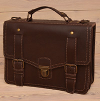 Крупный кожаный коричневый портфель