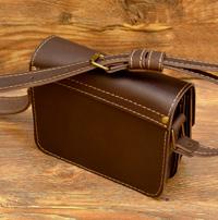 Лаконичная коричневая сумочка