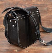 Небольшая черная женская сумочка