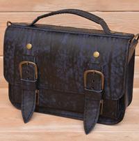Небольшая женская сумочка из состаренной кожи
