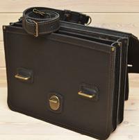 Крупный черный портфель