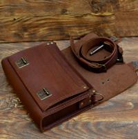 Кожаная сумочка коньячного цвета