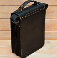 Вертикальный черный портфель