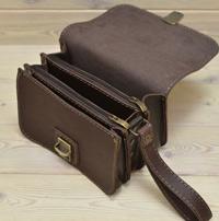 Небольшая вместительная сумочка на 3 отделения