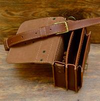 Классическая кожаная барсетка коньячного цвета