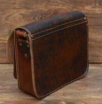 Женская сумочка из состаренной кожи