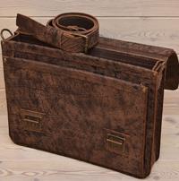 Крупный портфель из красивой состаренной кожи