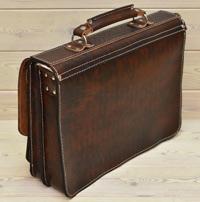 Крупный портфель из состаренной кожи
