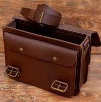 Легкий коричневый классический портфель