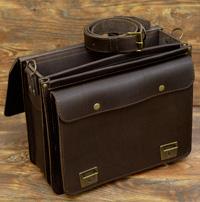 Крупный коричневый портфель