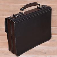 Крупный черно-коричневый портфель