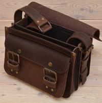 Небольшая вместительная кожаная сумка