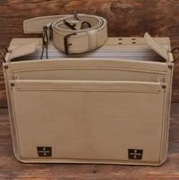 Компактный бежевый портфель