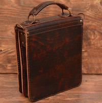 Минималистичная сумка из состаренной кожи