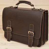 Крупный классический коричневый портфель