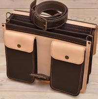 Оригинальный бежево-коричневый портфель