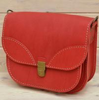 Женская сумочка из красной кожи