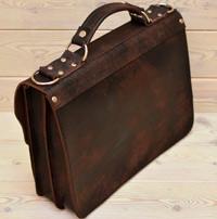 Красивый портфель из состаренной кожи