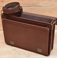 Коричневый кожаный мужской портфель