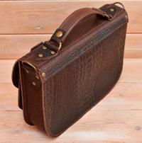 Женская сумка из кожи под рептилию
