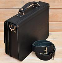 Лаконичный черный кожаный портфель