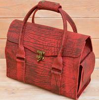 Яркая женская сумка на каждый день