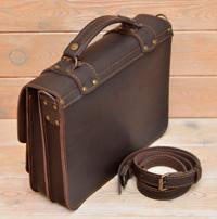 Мужской портфель из толстой коричневой кожи