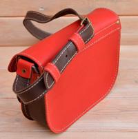 Яркая двухцветная женская сумочка
