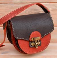 Маленькая женская двухцветная сумочка