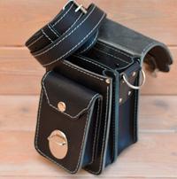 Небольшая наплечная сумка из черной кожи